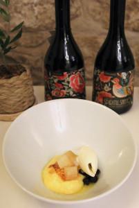 Crema de azafrán, pera, membrillo y algarroba